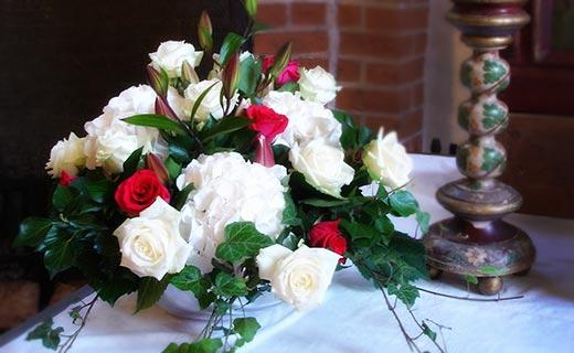 Hochzeit zu jeder hochzeit gehören blumen sträusse gestecke